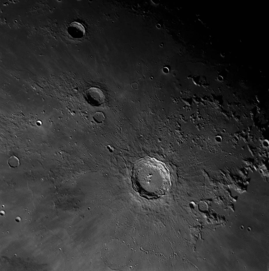 Copernic Moon_060417_ZWO ASI120MM_Gain=58_Exposure=1 (10).jpg