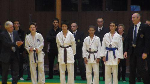 Alan médaillé de bronze en kata