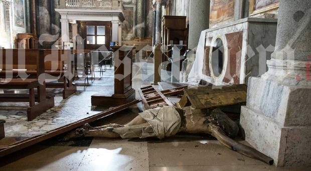 croix eglise.jpg