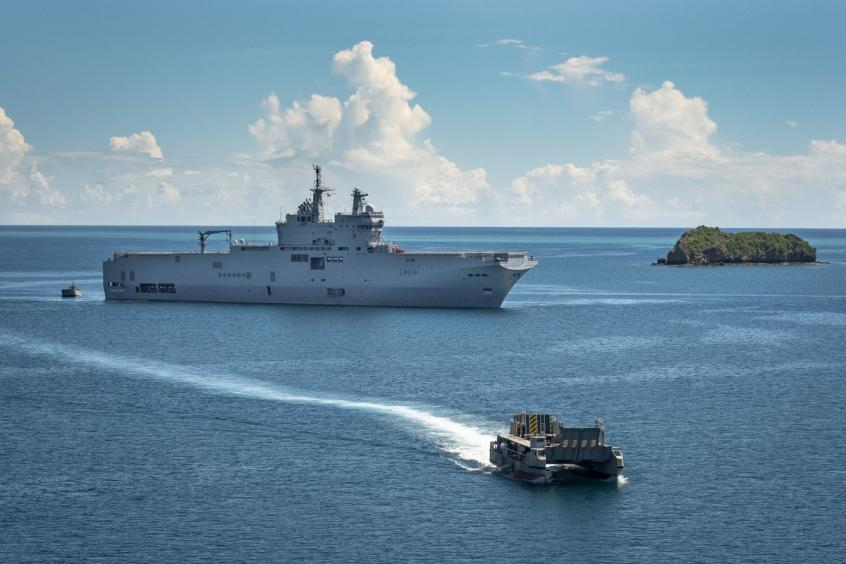 bateau guerre.jpg