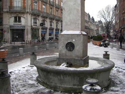 La fontaine de la place Rouaix