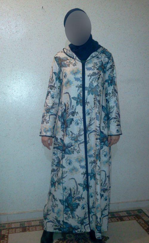 Jellaba en lain motif en dégradé de bleu travaillé avec terssan