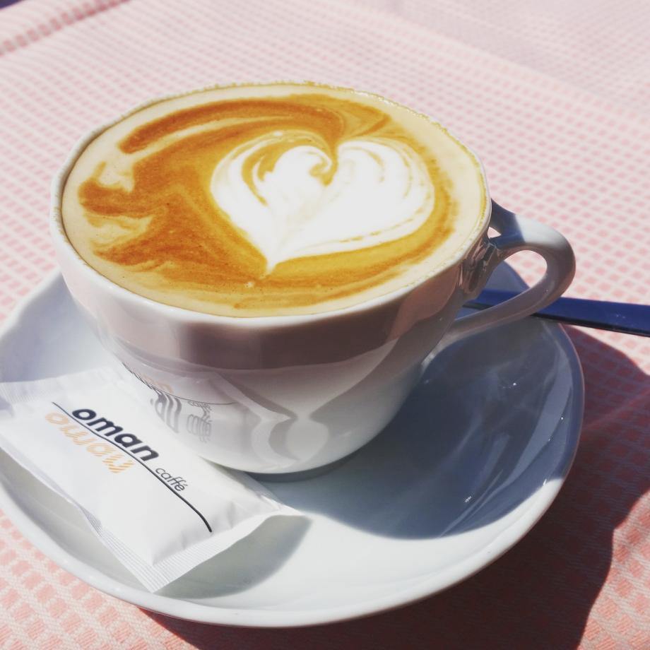 J adore le café mais il n à rien à faire dans cet article