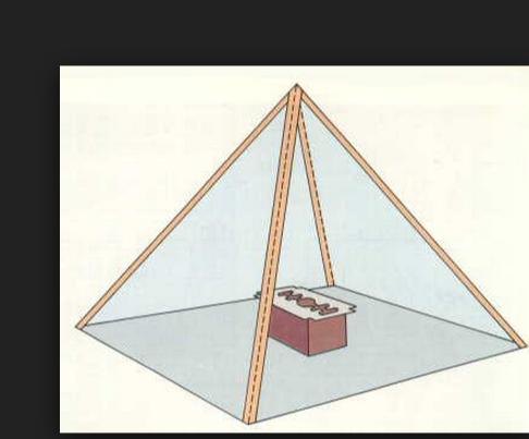 comment placer objet dans pyramide.png