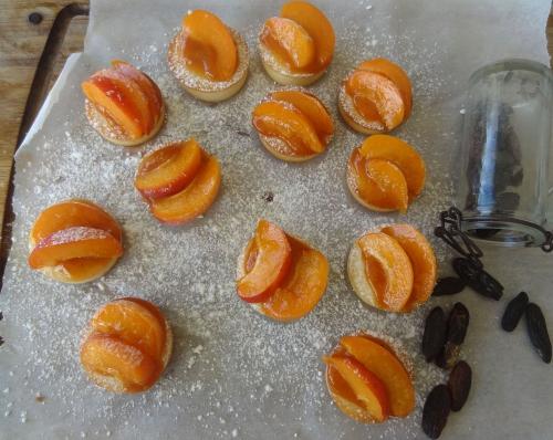 mini tartelette abricot.JPG