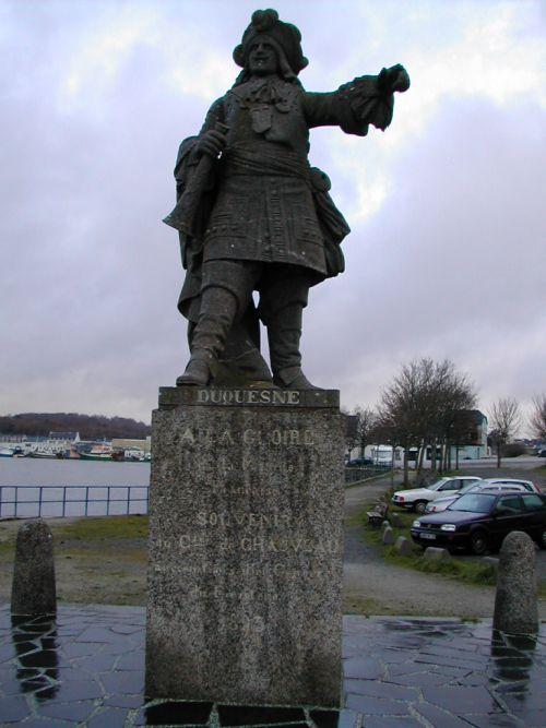 DSCN0899-Statue de Duquesnes CONCARNEAU