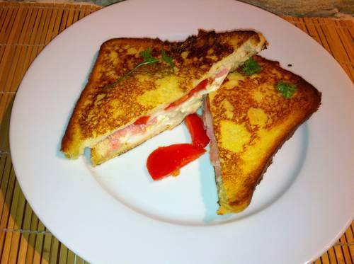 toast tomate mozza.jpg