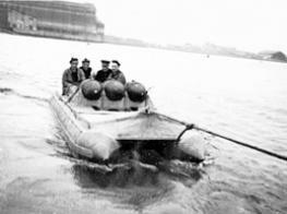 https://static.blog4ever.com/2012/03/678268/1er-bateau-pneumatique.jpg