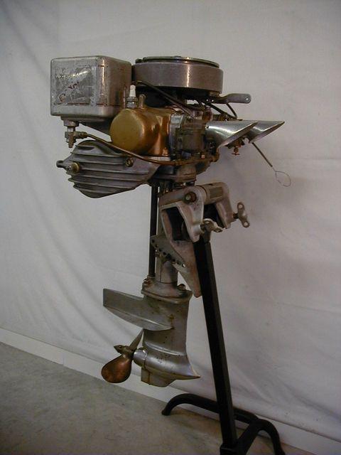 Evinrude-Model-177-Speeditwin-de-1930.jpg