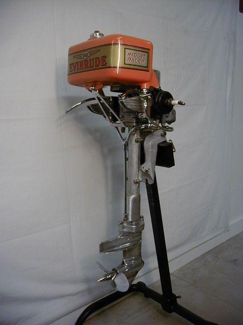 Evinrude-Model-4328-Midget-Racer-1939.jpg