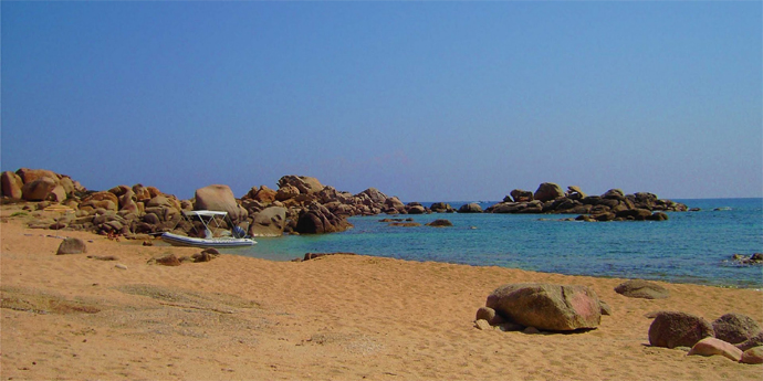 https://static.blog4ever.com/2012/03/678268/Mouillage-Corse-Senetosa.jpg
