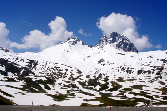 Col du Pourtalet en juin 2013 encore beaucoup de neige
