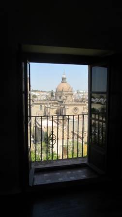30 - Cathédrale depuis l'Alcázar.JPG