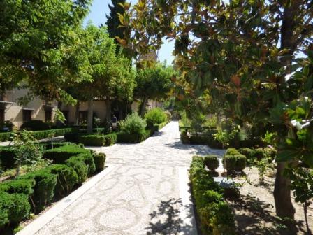 8 - Jardines del convento.JPG