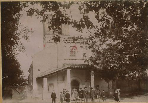 Sortie de messe église de Moissat bas (1900)