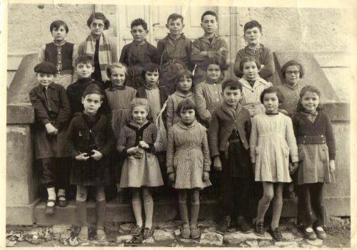 Classe de Mme Petit (1954) Moissat haut