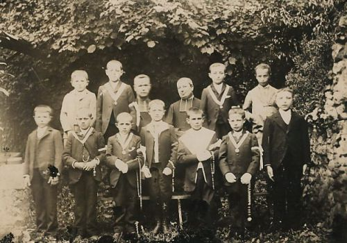 Communion 1906