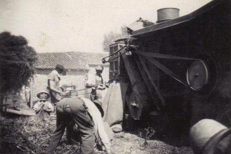 Mise en sac  ( famille Debeuf 1945)