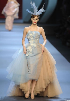 dior_defile_haute_couture_printemps-ete_2011_reference.jpg