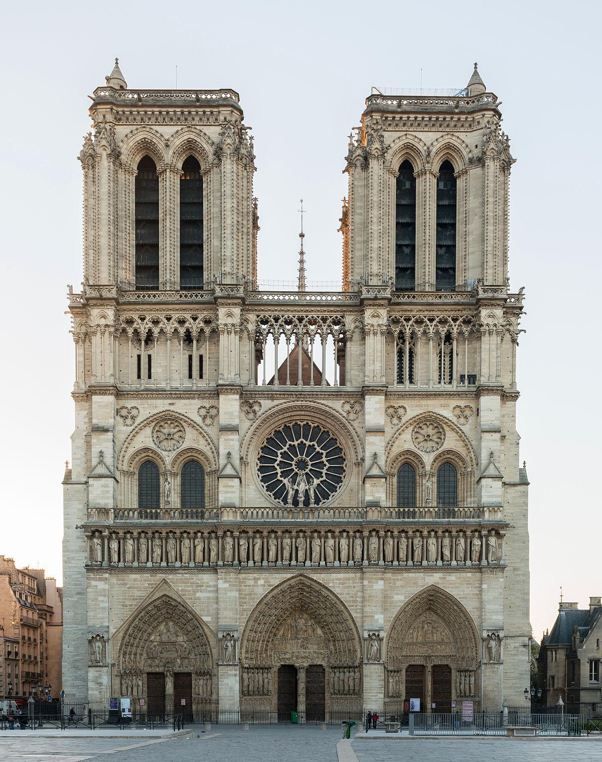 Cathédrale_Notre-Dame_de_Paris_20_March_2014.jpg