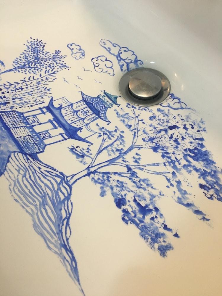 des-peintures-dans-le-lavabo-par-Marta-Grossi-14