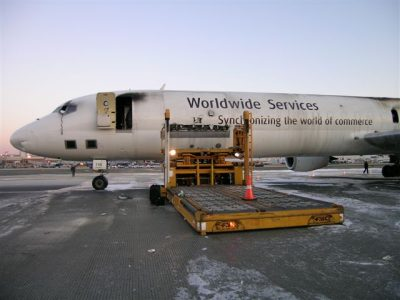 feu avion cargo philadelphia.jpg