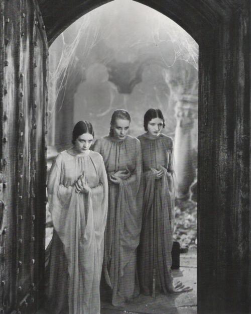 Dracula 12.jpg