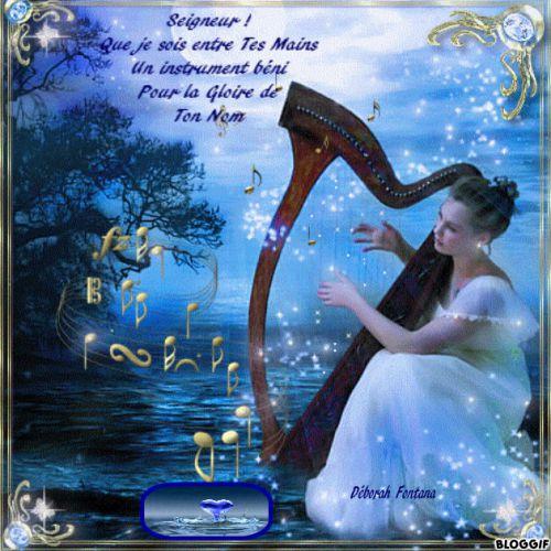 Femme jouant de la harpe