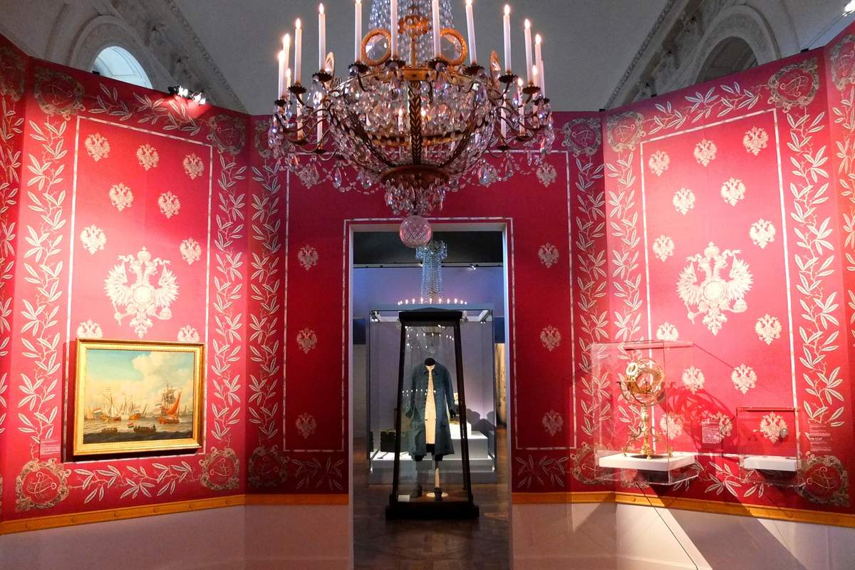 vue d'ensemble d'une salle ob_2358ad_pierre-le-grand-un-tsar-a-versailles-a.jpg