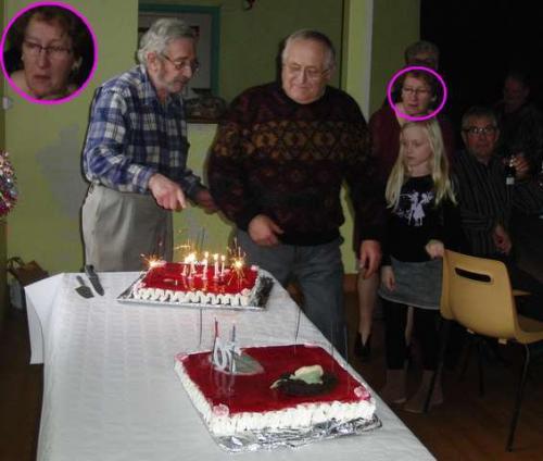 Devant le gâteau.jpg