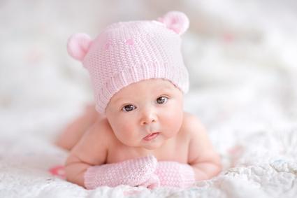 8-actuces-pour-soulager-bebe-quand-il-a-le-hoquet-425x283.jpg
