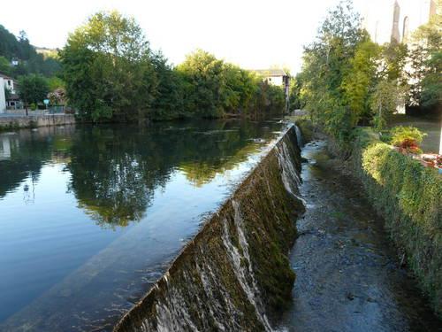 Le_Bugue_ruisseau_Ladouch.JPG