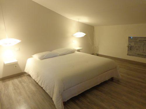 chambre au 2 ème étage lit en 160x200