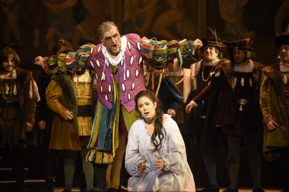 James-Westman-Rigoletto-Myriam-Leblanc-Gilda-2-©-Yves-Renaud-1.jpg