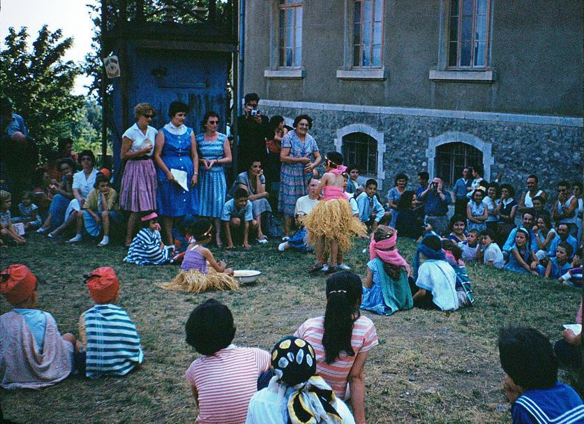 1959 CHARANCE-FêteParents-26Juillet.spectacle.jpg