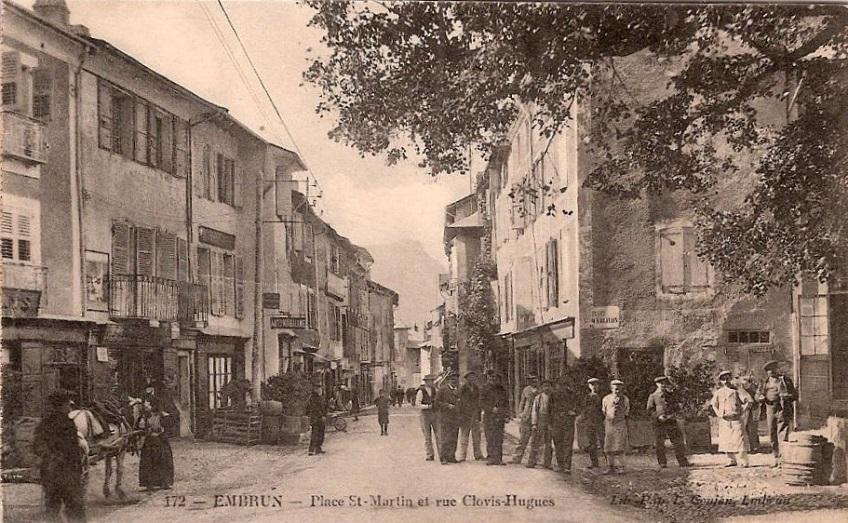1000_______172-place-st-martin-et-rue-clovis-hugues_1258.jpg