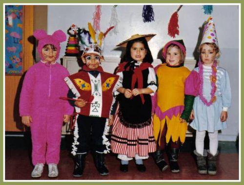Ecole Les Lavandins carnaval 1985