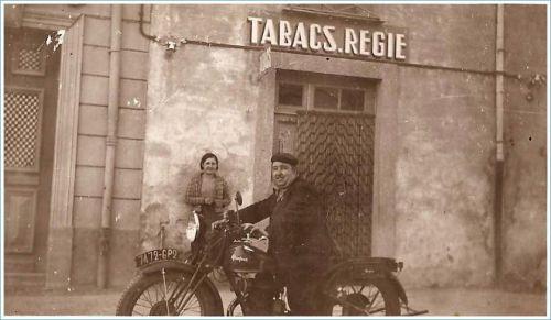 Le facteur en 1930