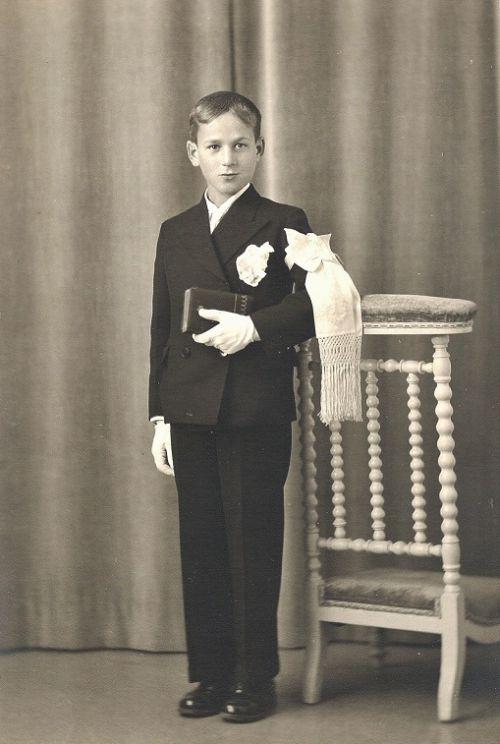 1940 Communion