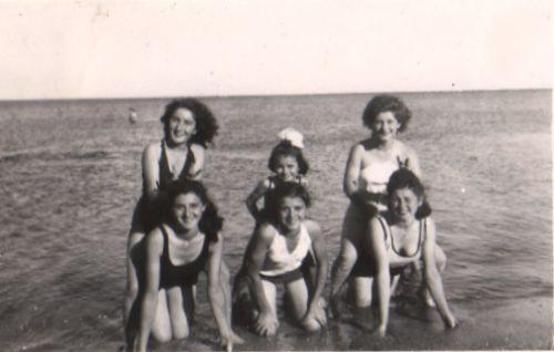 1940 La plage La Peyradoise