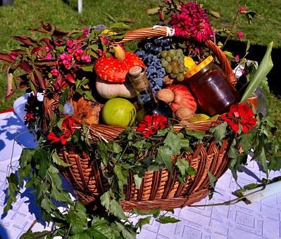 fruit-basket-391414__340.jpg