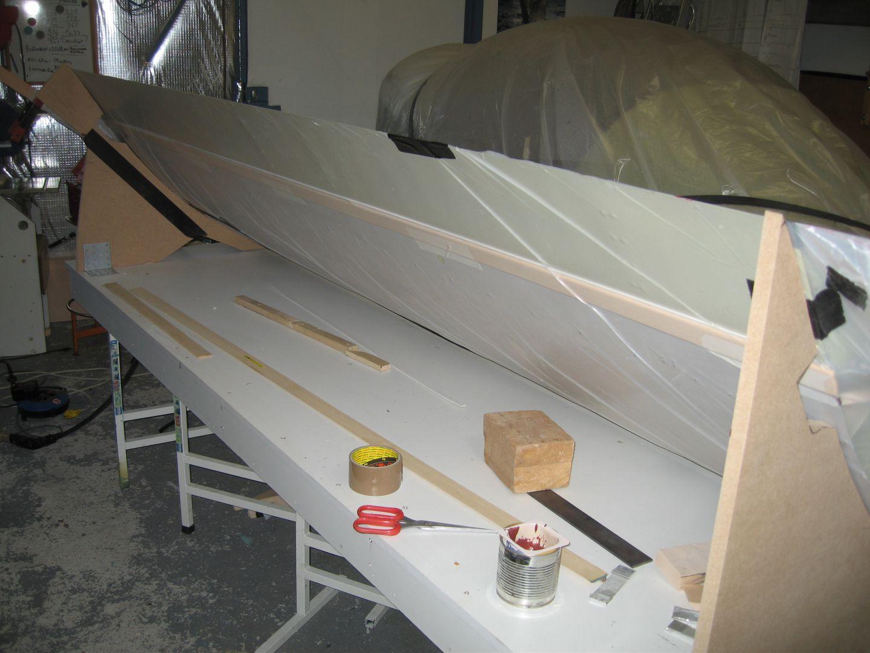 toit de fuite construction d 39 un avion type mc 100 par maurice cheffot. Black Bedroom Furniture Sets. Home Design Ideas