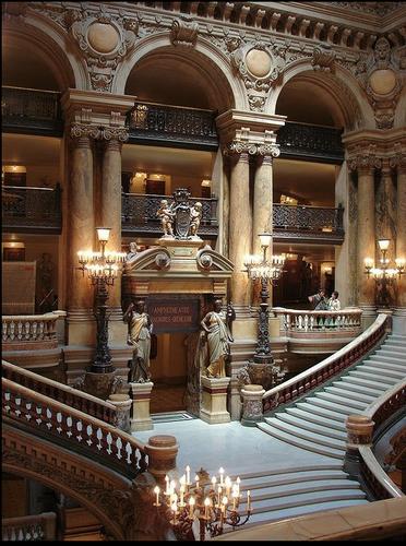 https://static.blog4ever.com/2012/07/706101/escalier-opc3a9ra-paris.png