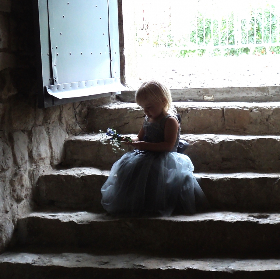 LittleBridesmaidWaiting.JPG