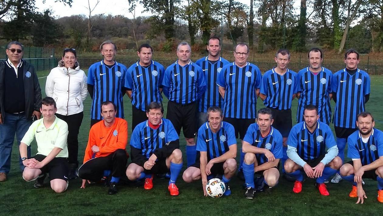46aa3d06ee8685c57541249438dcddb1-bon-debut-de-saison-pour-les-veterans-en-football.jpg