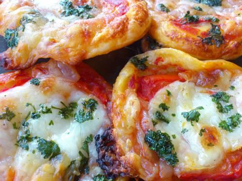 mimi pizza mozza tomates.JPG