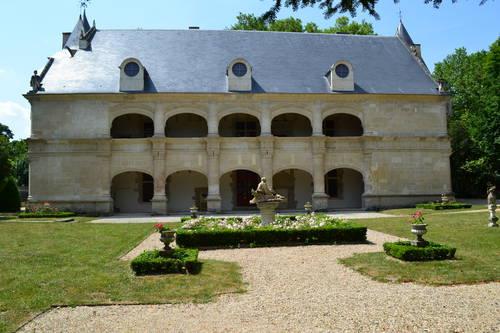 Château DAMPIERRE SUR BOUTONNE 07 2013 005.JPG