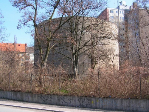 1024px-Berlin_belastungskoerper.jpg