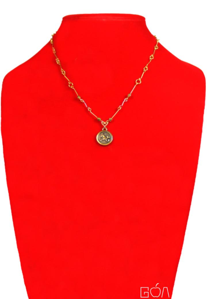 Audace 2C962348 - collier capricorne - BR - face - A4 - FB - DRG.png