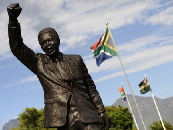 https://static.blog4ever.com/2012/09/713297/Mandela4-SaVictoire.jpg